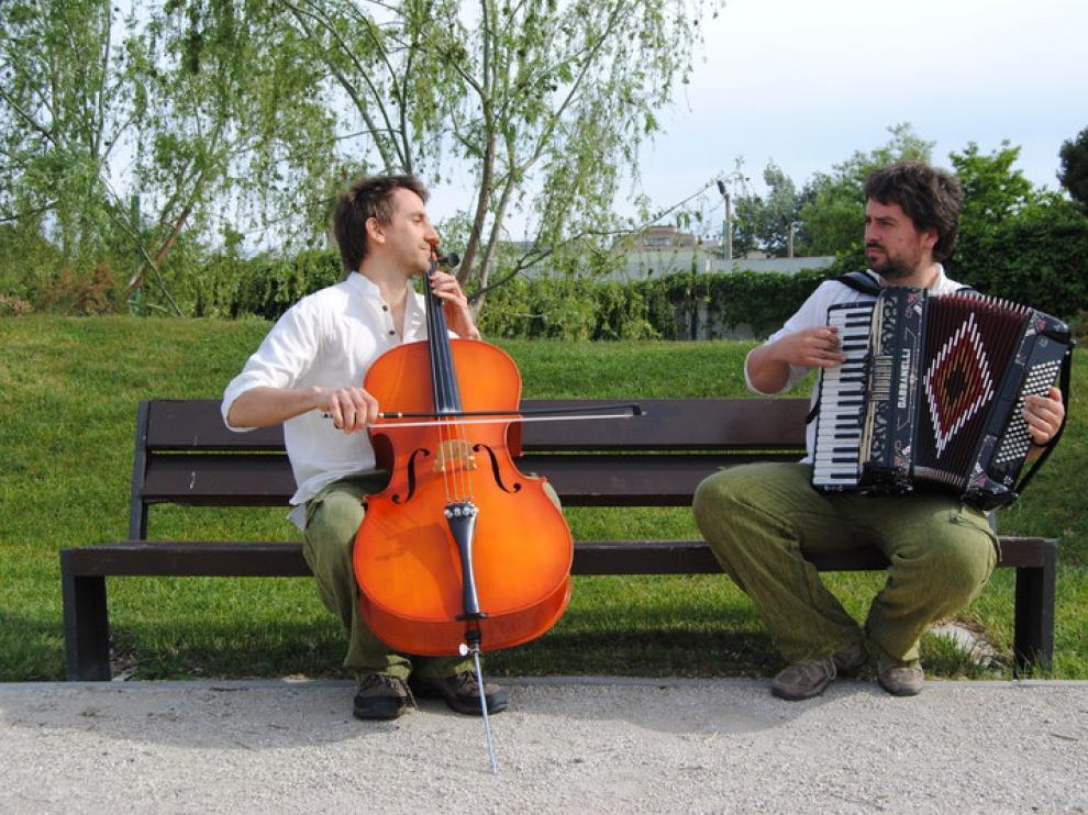 Miguel Guallar y Daviz Aznar forman el eco dúo Vegetal Jam