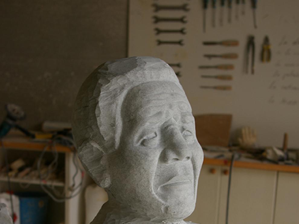 Escultura de Nelson Mandela creada por el autor turolense José Miguel Abril