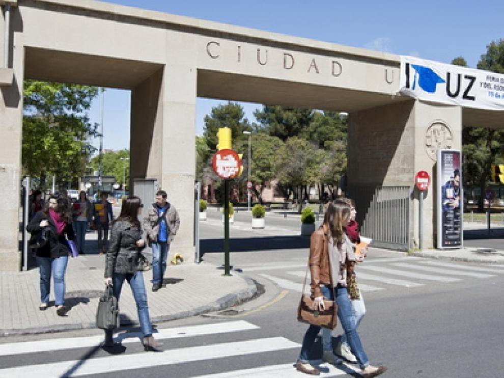 El 52% de los jóvenes españoles vivió con sus padres mientras cursaban sus estudios universitarios.