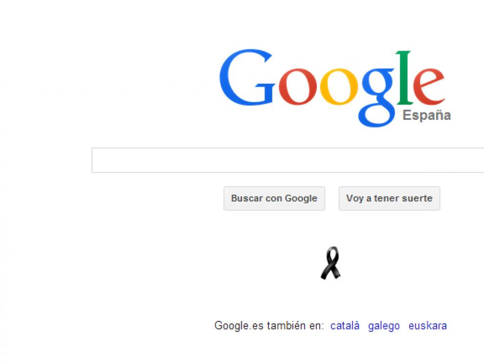 Página principal del Google este martes, con un crespón