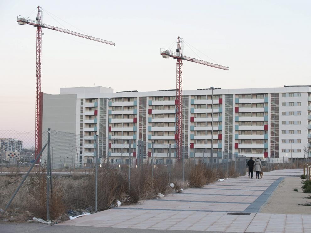 Bloque de viviendas en construcción en Arcosur