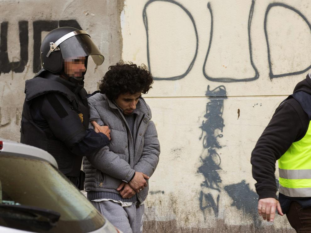 Traslado de uno de los tres detenidos en Melilla