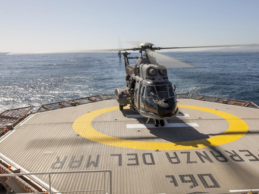Helicóptero Súper Puma del Servicio Aéreo de Rescate (SAR)