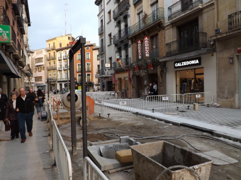 Los comerciantes están resignados con las obras de peatonalización