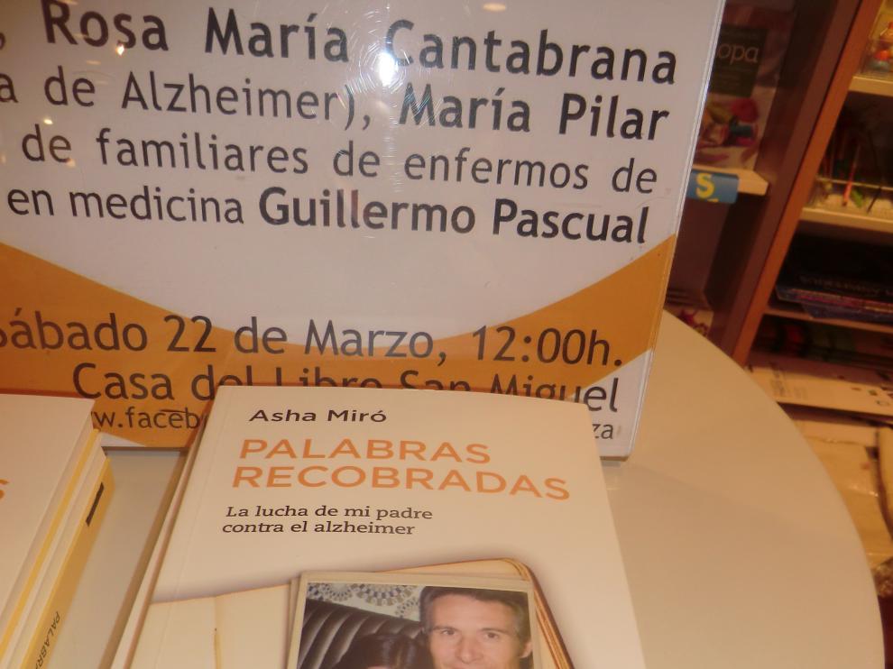 Asha Miró en la presentación de su nuevo libro ''Palabras recobradas. La lucha de mi padre contra el alzheimer' .