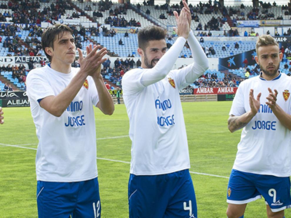 Los jugadores zaragocistas lucieron una camiseta en apoyo a Ortí