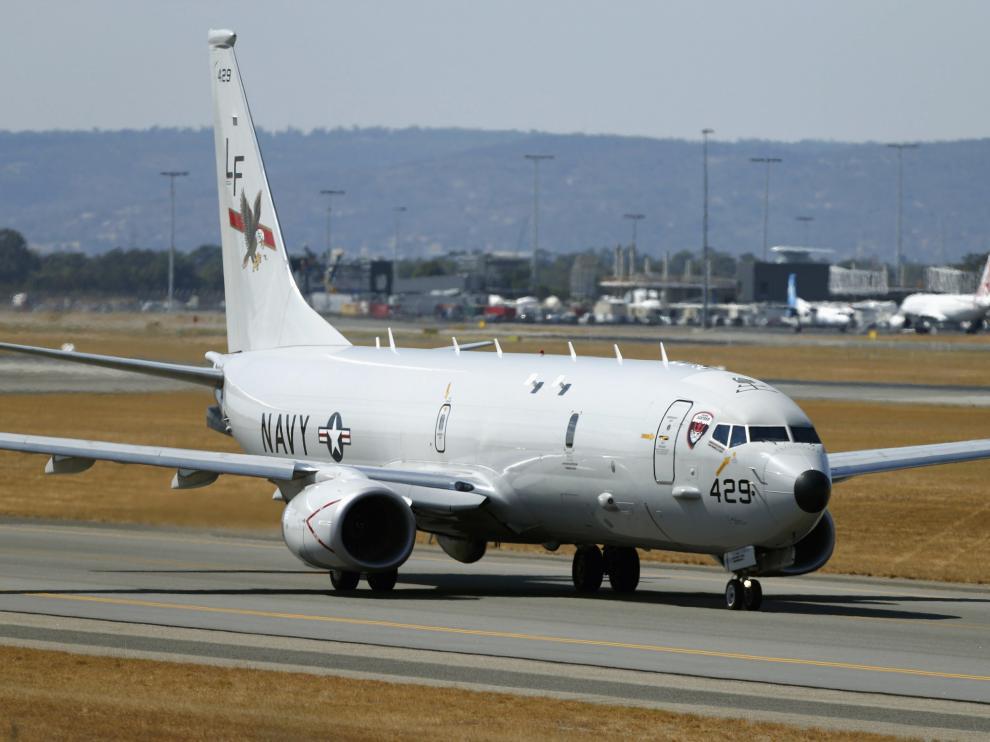 Una de las naves que sigue con la búsqueda, en el aeropuerto de Perth