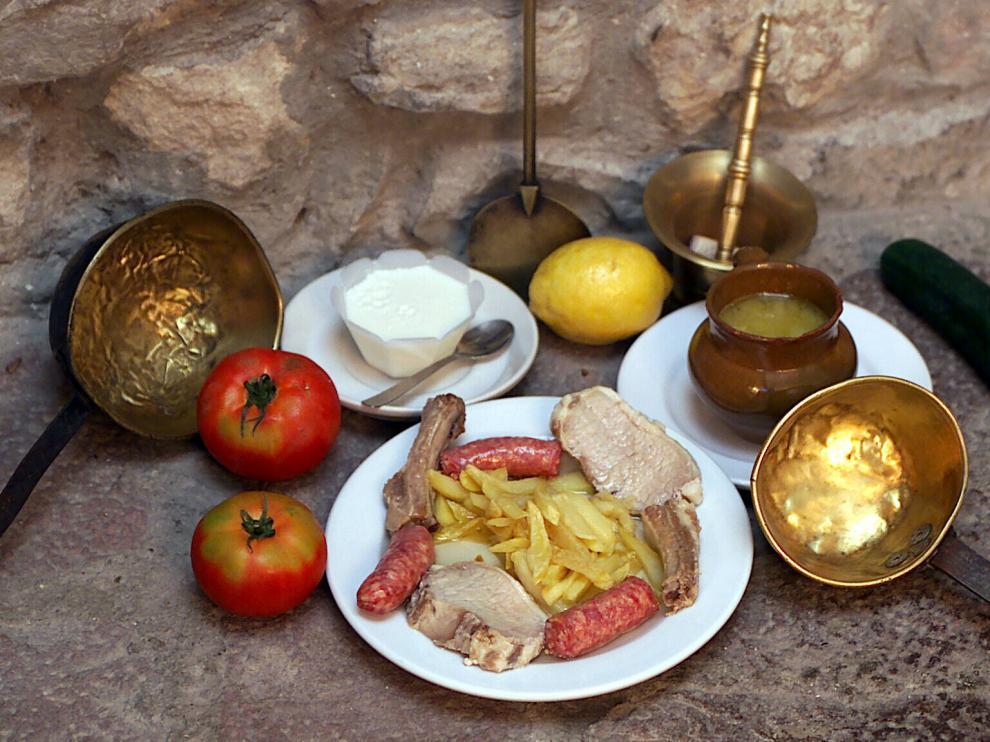Las sopas de ajo pueden ser un buen plato para acompañar una cena