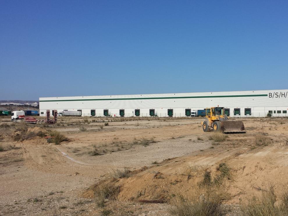 JCV Shipping & Solutions triplica su superficie
