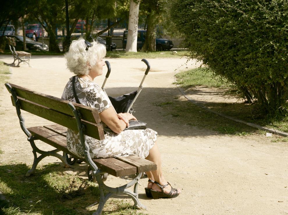 La soledad en los mayores puede repercutir en su salud.
