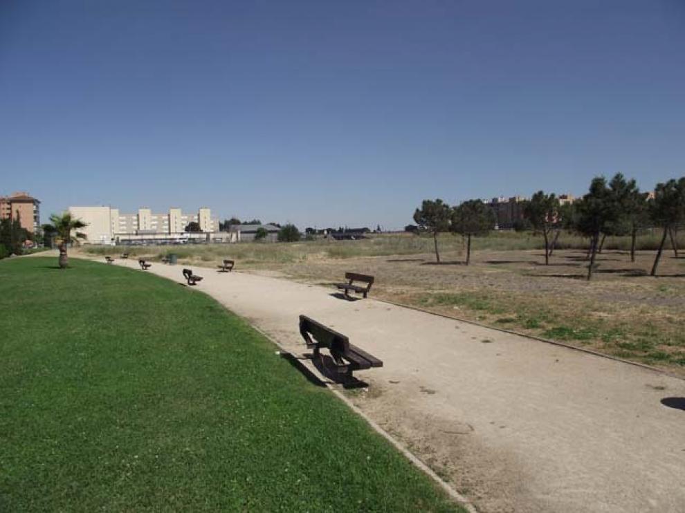 Lugar en el que se están haciendo los huertos, antes de las obras