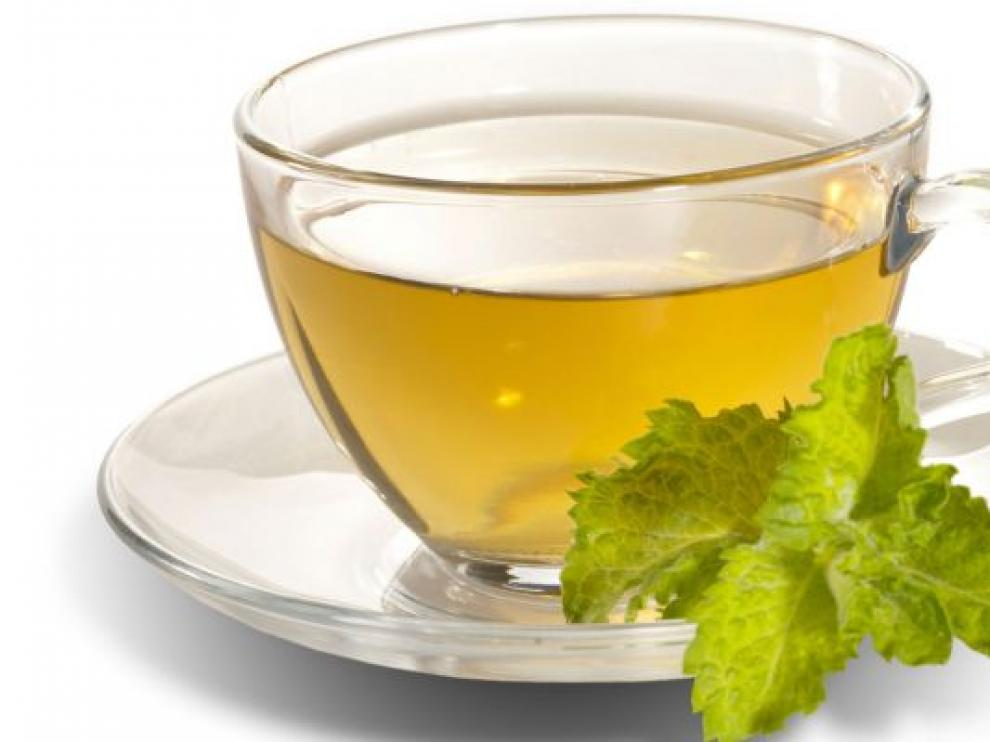 El té verde ayuda a eliminar grasas.