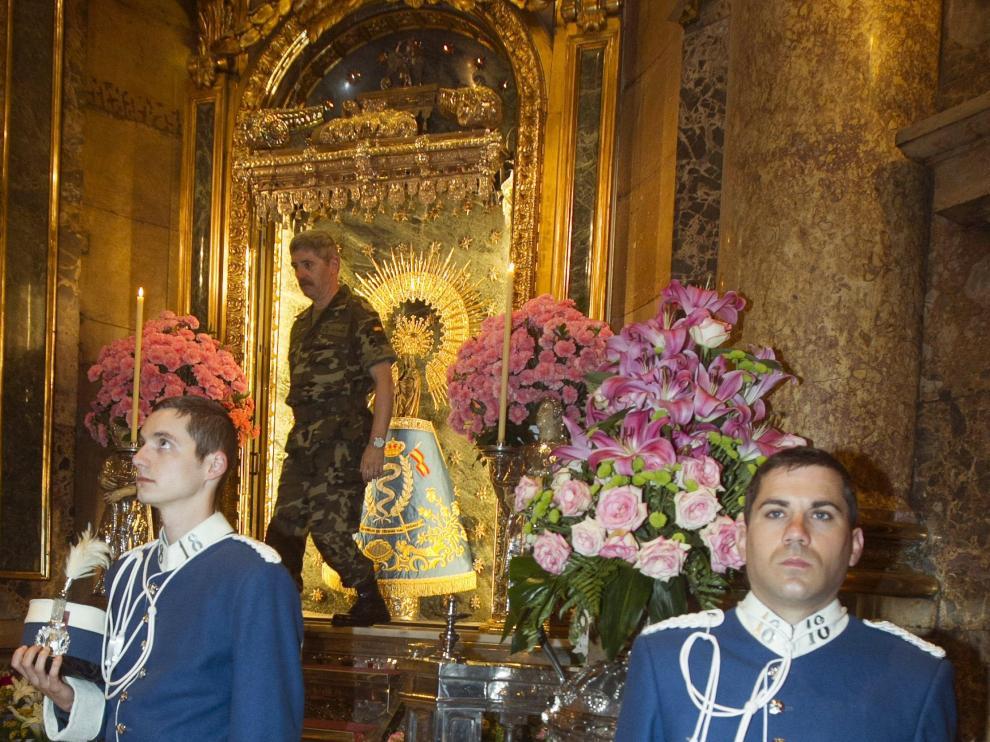 Ofrenda de la Brigada 'Castillejos II' en el Pilar