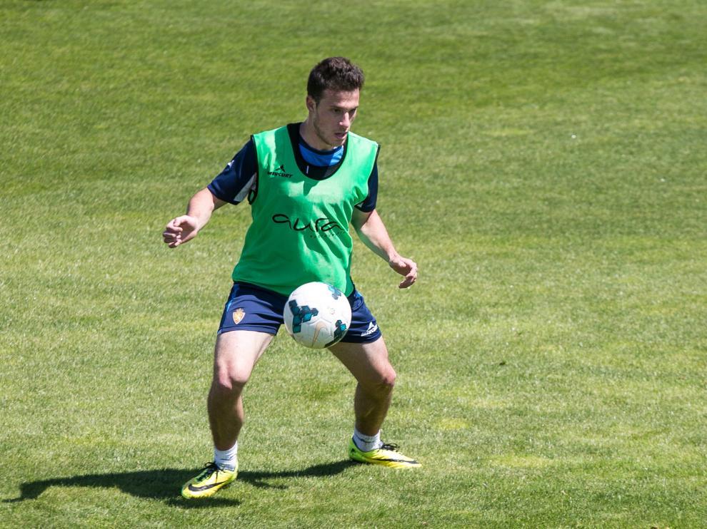 Henríquez, durante un entrenamiento del Real Zaragoza