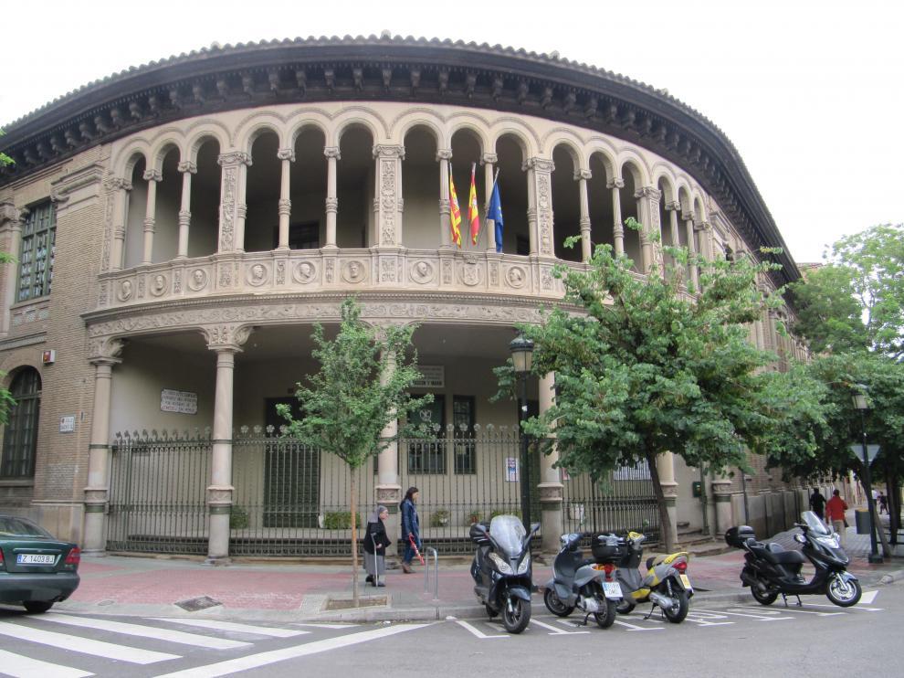 Colegio Gascón y Marín, donde un grupo de padres se oponen a la prueba