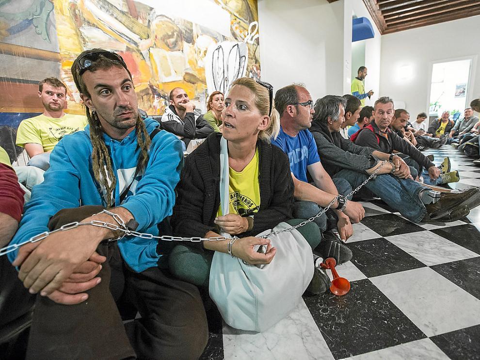 Los trabajadores se acomodaron en la primera planta, a las puertas del despacho de Blasco.