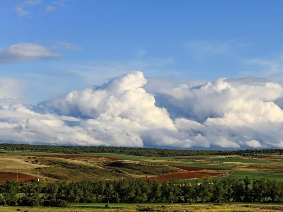 Nubes, claros y descenso de las temperaturas mínimas en la jornada de este miércoles