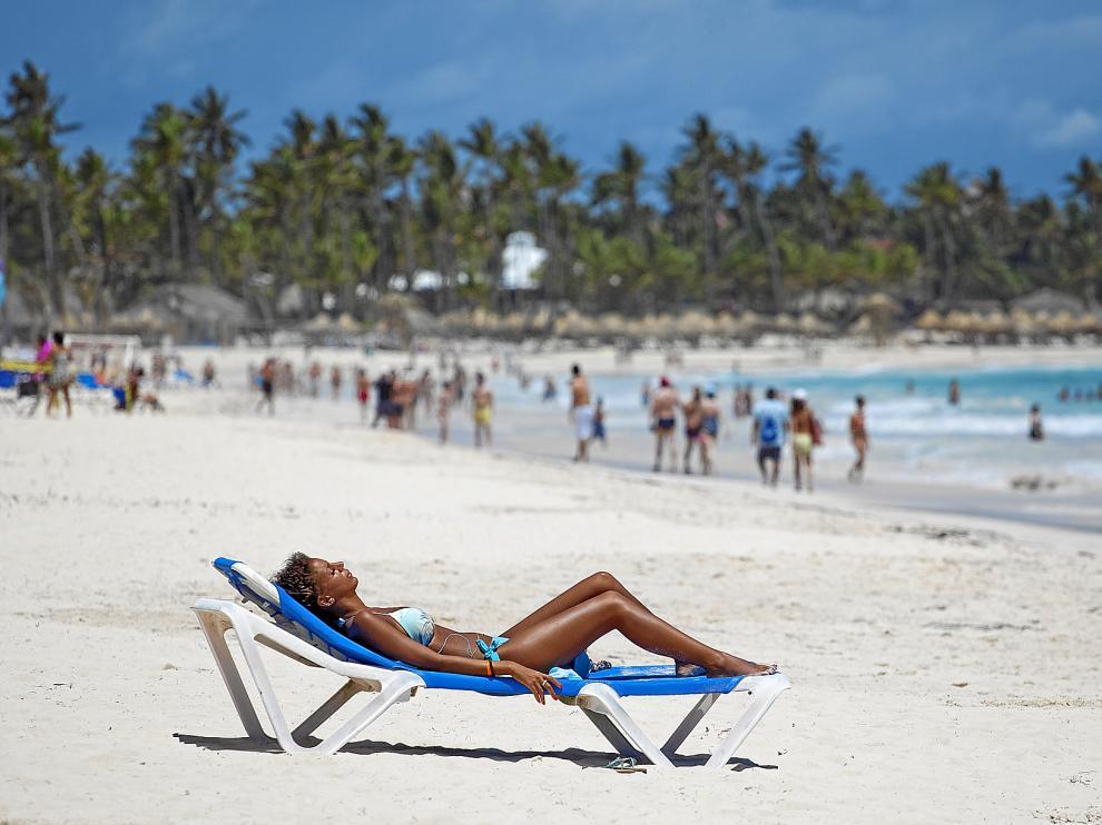 La protección es necesaria cuando nos exponemos al sol para evitar que la piel se queme y a la larga se produzcan melanomas.