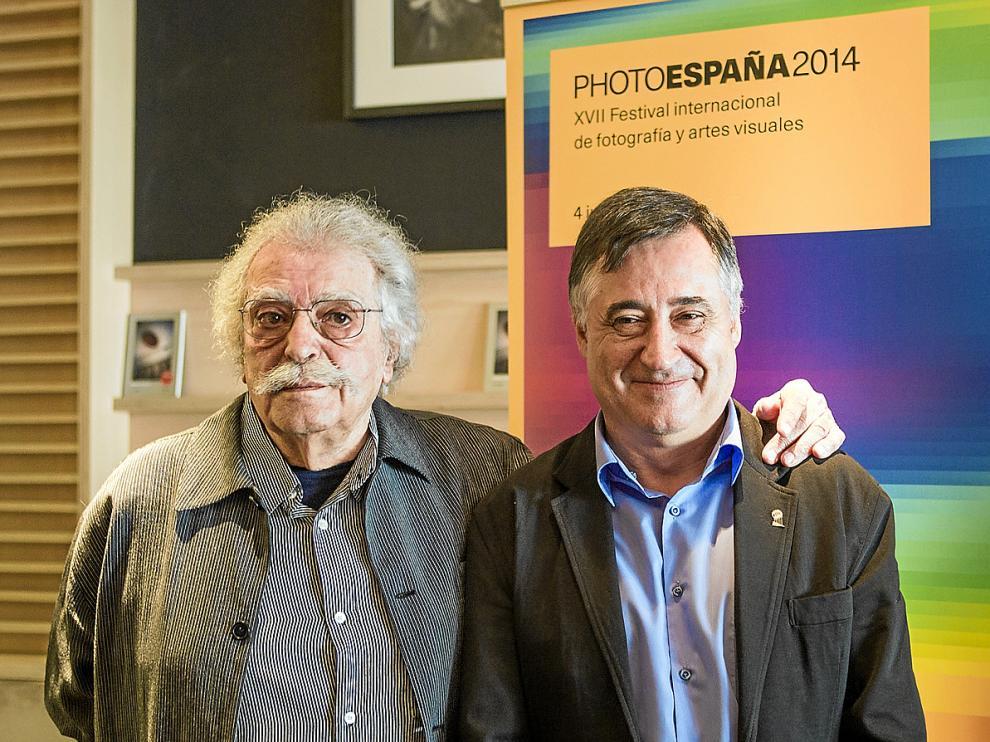 Ramón Masats (izquierda) y Gervasio Sánchez, tras hacerse públicos sus premios.
