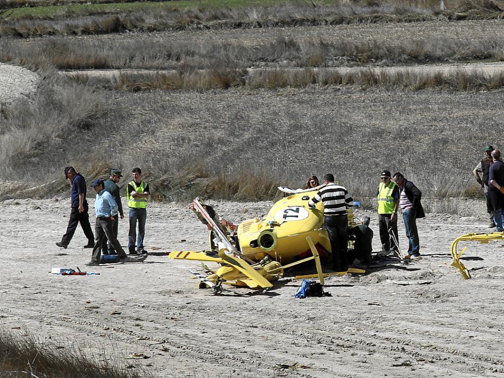 El helicóptero se estrelló en una zona agrícola de Villastar, a unos 10 kilómetros de Teruel.