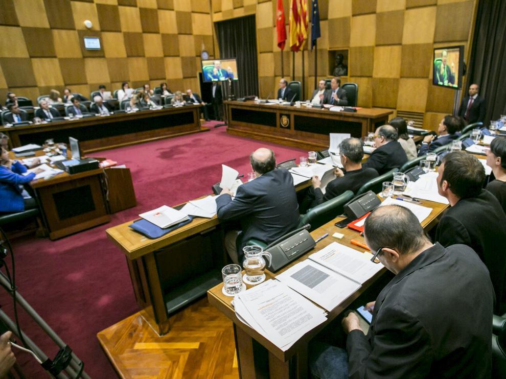 Imagen de un pleno del Ayuntamiento de Zaragoza