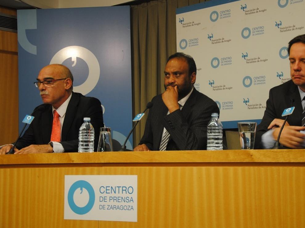 Sheikh, Láinez y Sáinz, en la rueda de prensa