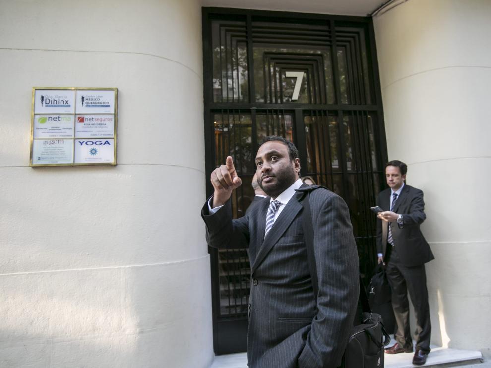 Kadir Sheikh sale de su reunión con Casasnovas
