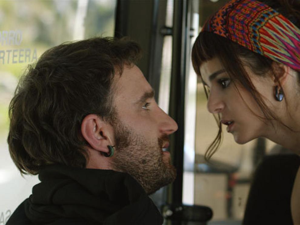 Dani Rovira y Clara Lago en un fotograma de la película 'Ocho apellidos vascos'