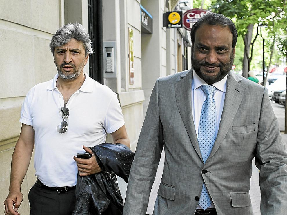 Nayim y Kadir, ayer en la calle Costa.