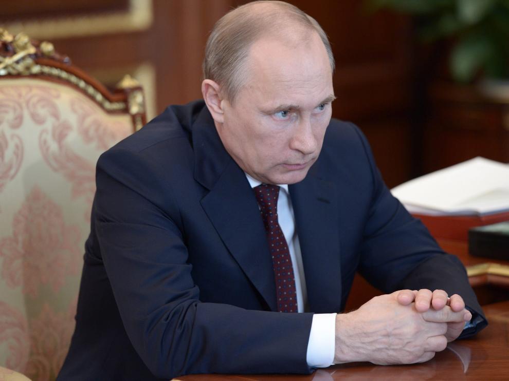 Rusia apoya la ley que concede tres años de autogobierno a los rebeldes prorrusos en Ucrania