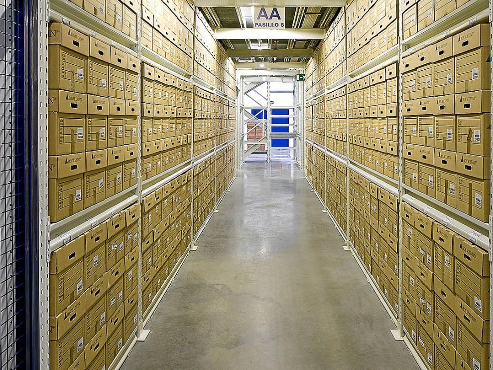Documentos y causas de casi un siglo se almacenan en una nave del polígono Centrovía de La Muela.   La nave de Iron Mountain pasa desapercibida.