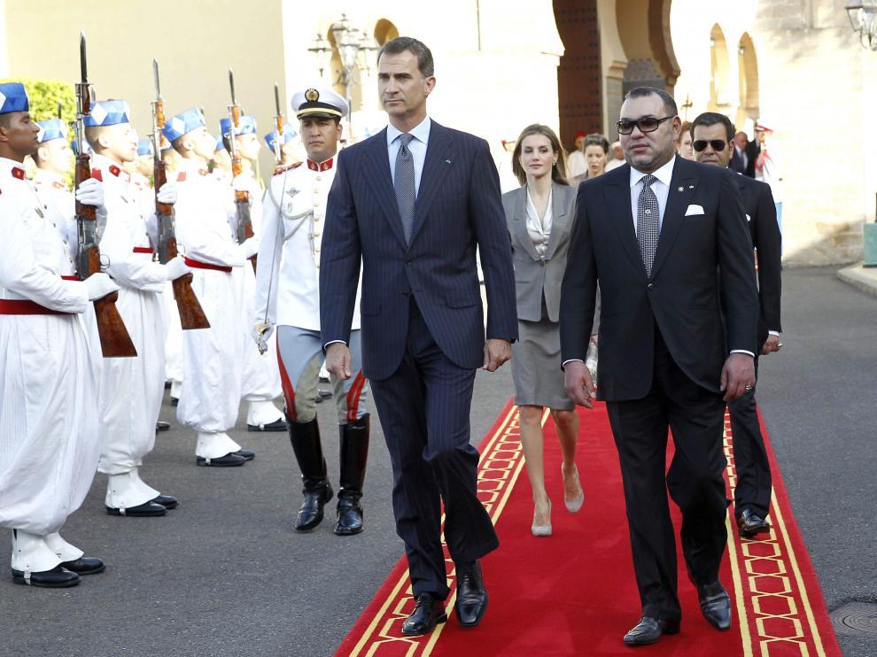 Mohamed VI junto a los Reyes Felipe VI y Letizia en el Palacio Real de Rabat