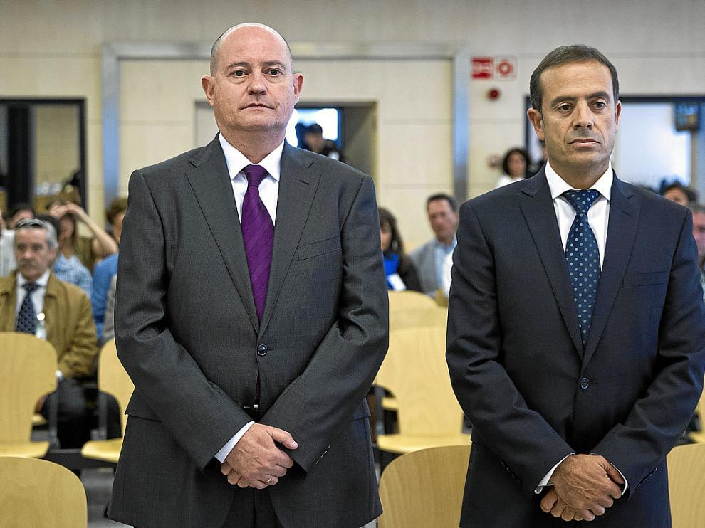 El comisario Enrique Pamies, a la izquierda, y el inspector José María Ballesteros, durante el juicio.