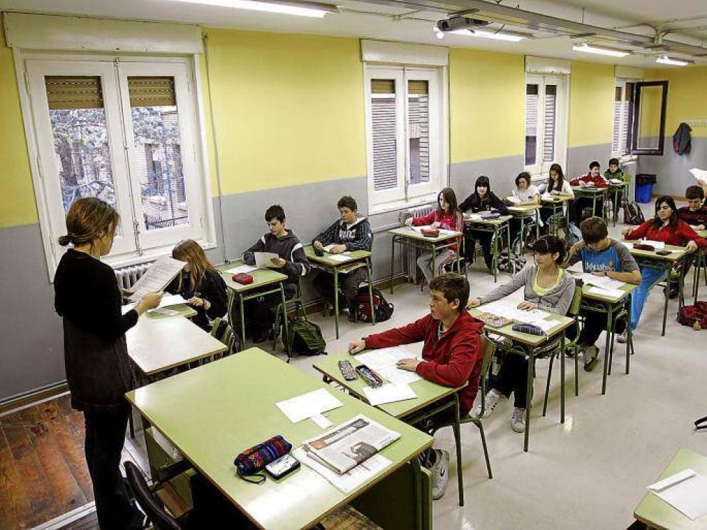 Foto de archivo de una clase en un instituto de Zaragoza
