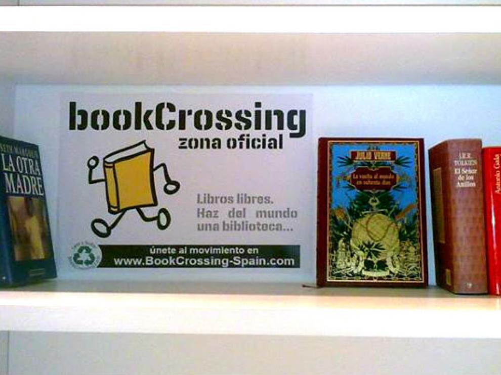 Punto de Bookcrossing en la biblioteca municipal Cubit.