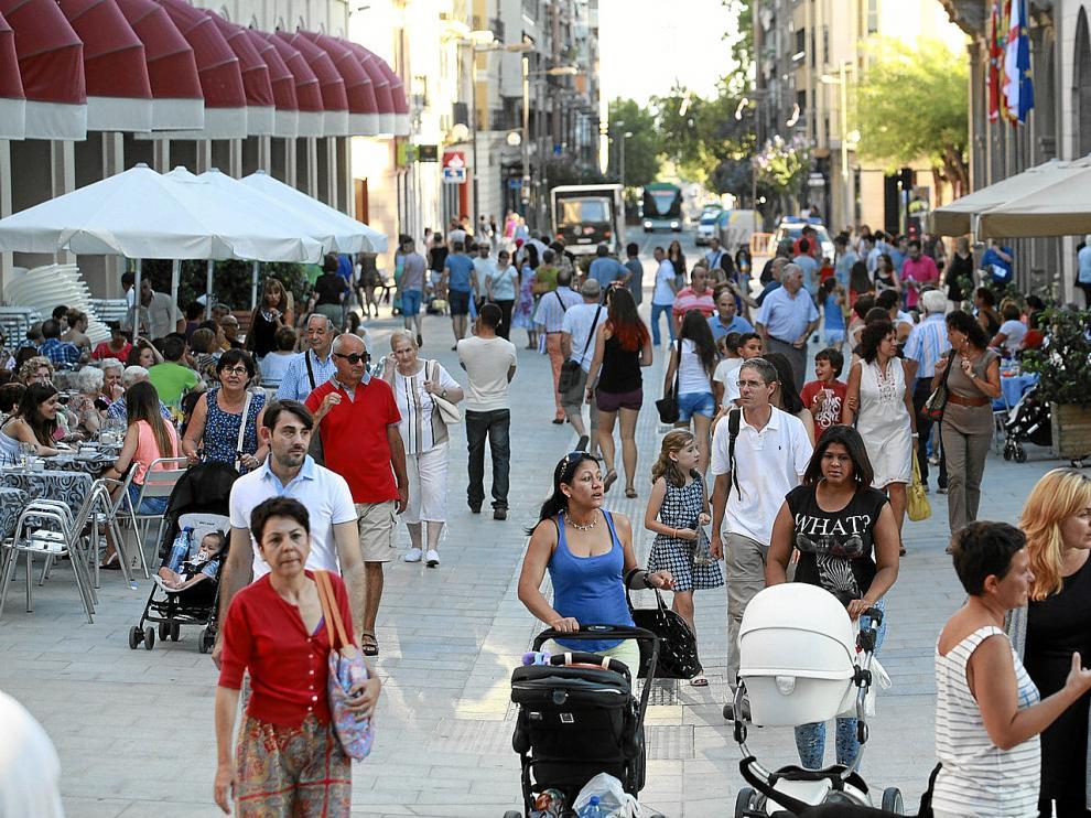 La afluencia de gente era notable ayer en Huesca