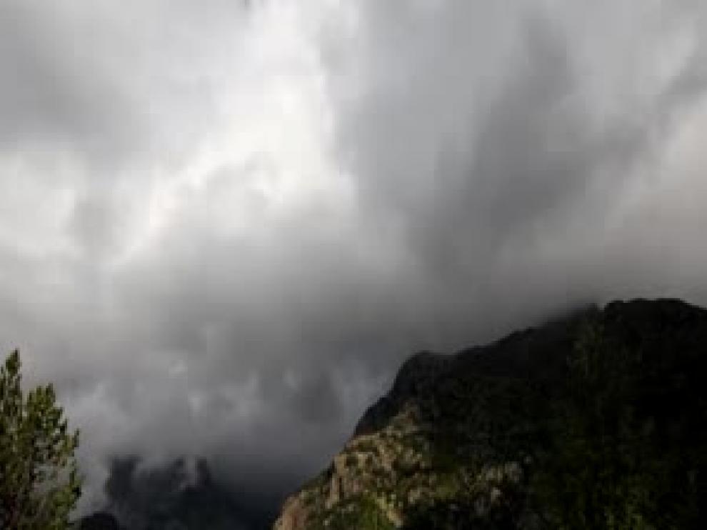 Nubes en Llanos del Hospital
