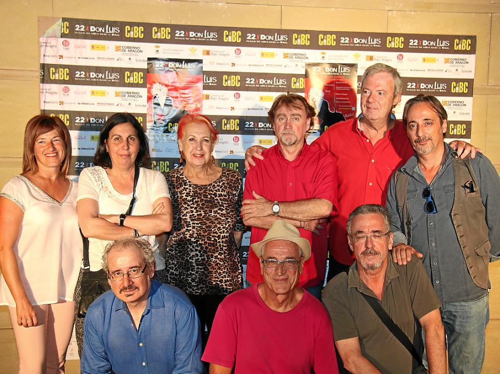 Arriba, Isabel Barberán, Manane Rodríguez, Rosa María Calaf, Javier Espada, Manuel Llamas y Javier Coll. Abajo, Xavier Bermúdez, Luis Miñarro y Ferrán Rañé.