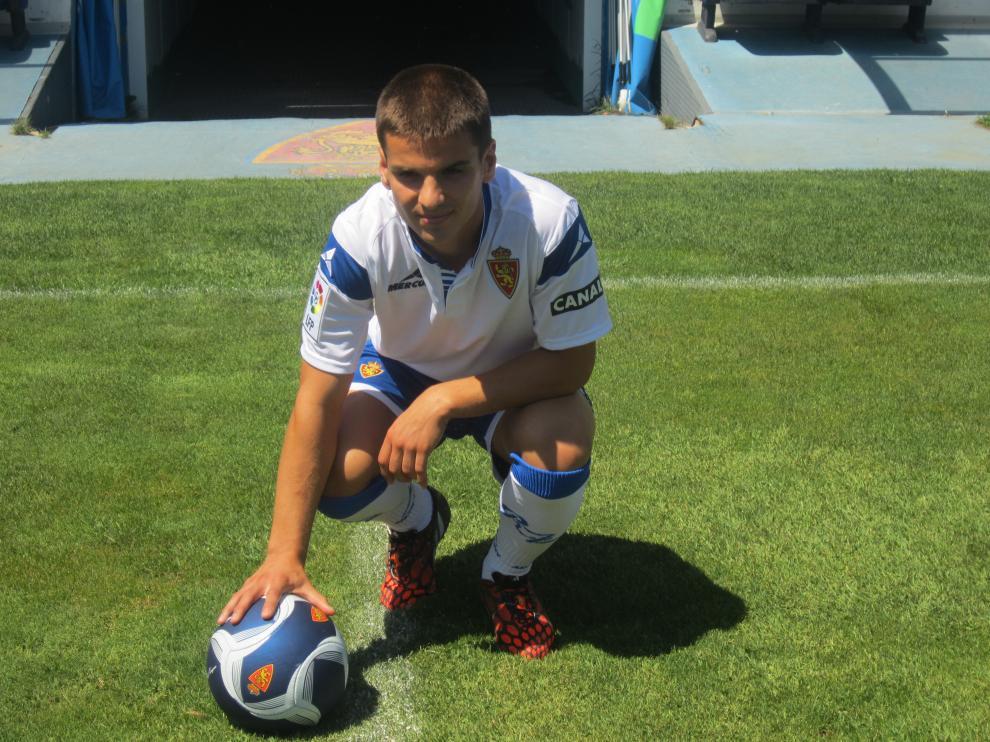 Ruiz de Galarreta, posando en la Romareda