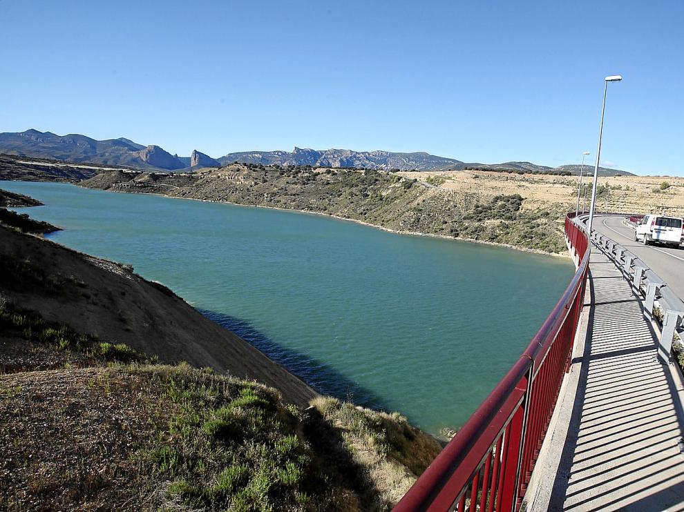 La presa de Montearagón.