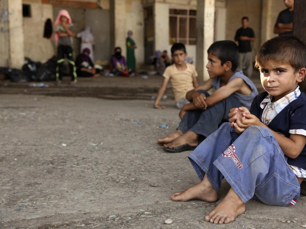 Miles de familias yazidíes huyen de los yihadistas