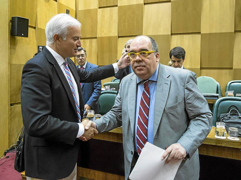 El secretario de Relaciones Políticas del PSOE de Zaragoza, Roberto Fernández