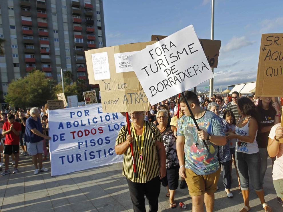 """Los vecinos se quejan contra el """"turismo de borrachera"""""""