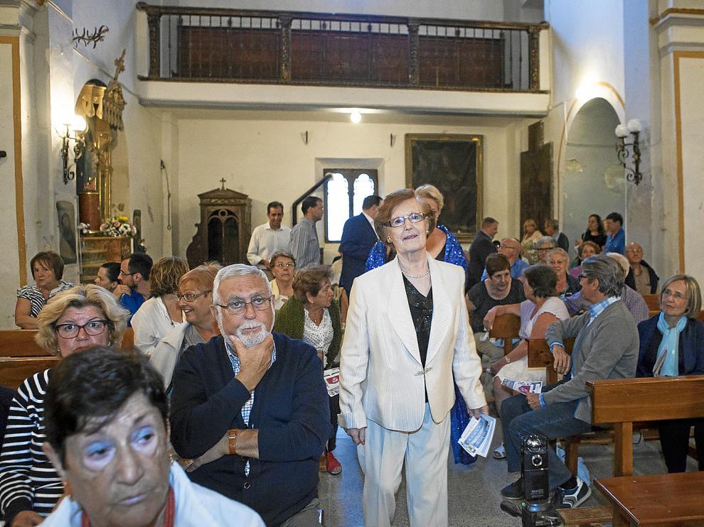 Cecilia Giménez ayer, en la iglesia del santuario, adonde acudió a celebrar los dos años de la publicación de la noticia.