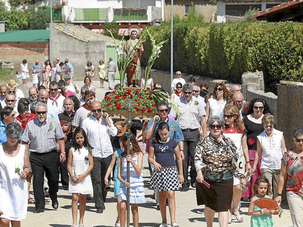 San Ginés salió en procesión hasta la ermita de la virgen.