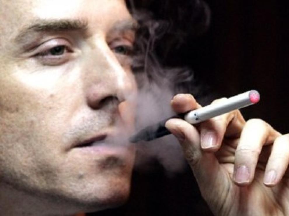 La OMS considera que la información existente sobre los cigarrillos electrónicos es insuficiente.