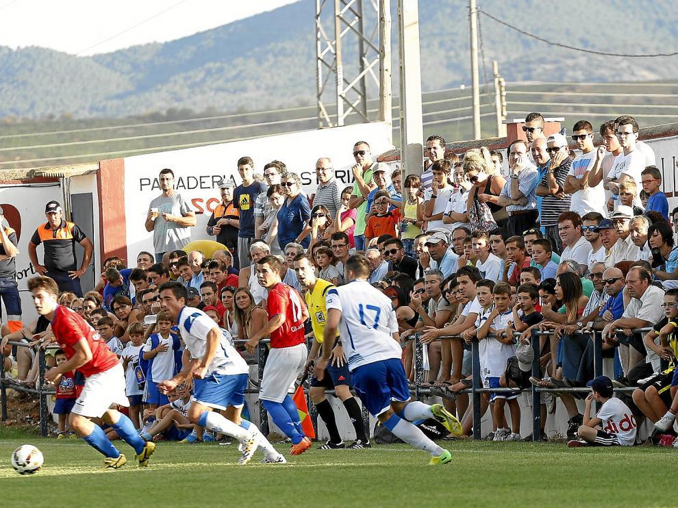 El partido amistoso entre el Cariñena y el Real Zaragoza generó una gran expectación.