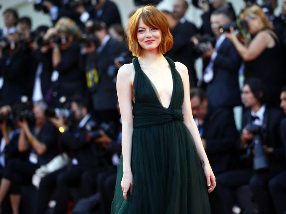 Emma Stone lució un impresionante vestido en Venecia