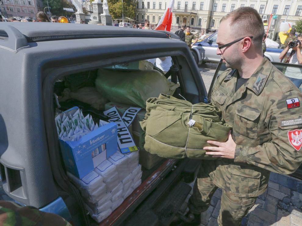 La ayuda rusa llega al este de Ucrania en medio de la tregua