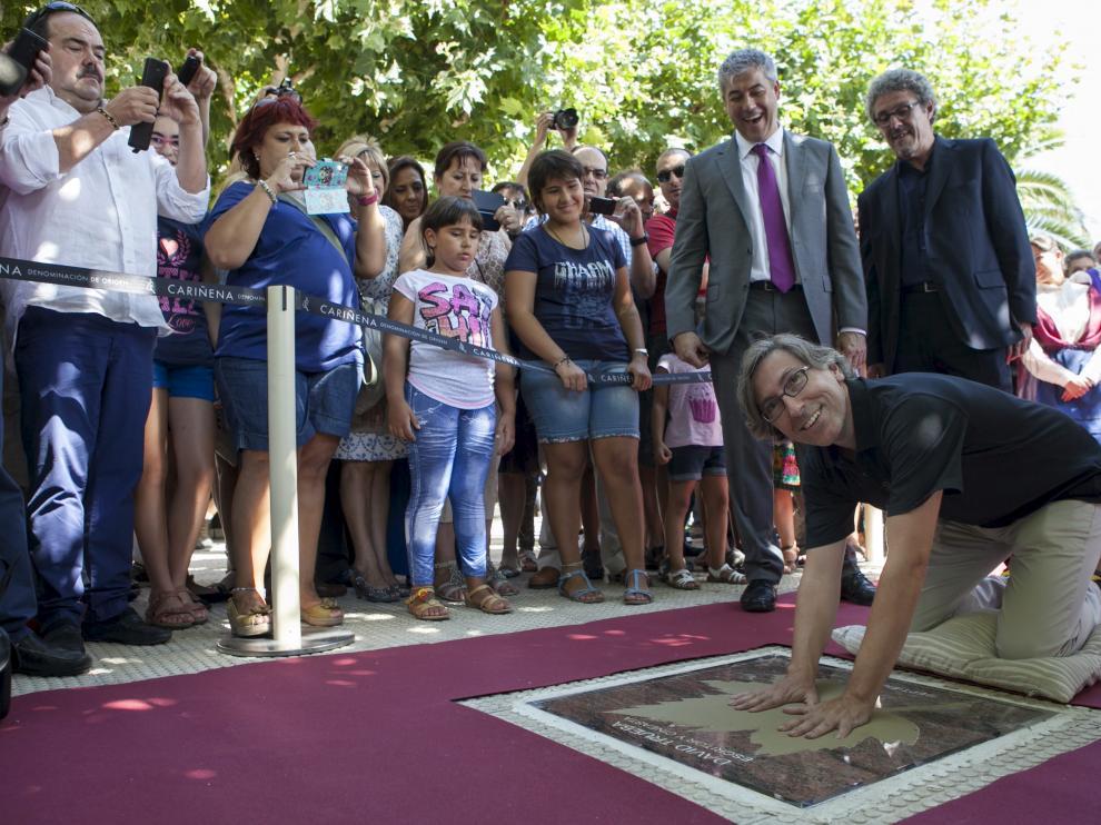 Trueba inaugura el Paseo de las Estrellas de Cariñena